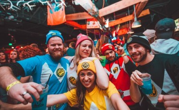 Discounted Admission to Seattle's 90s Bar Crawl