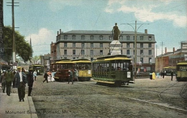 maine-trolley-_in_monument_square_portland_me