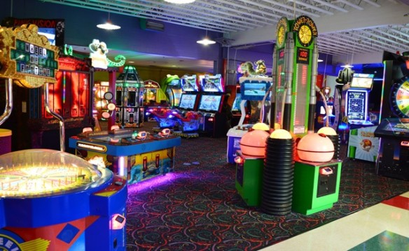 Family Fun Center $50 Gift Card (Last One of 2017)