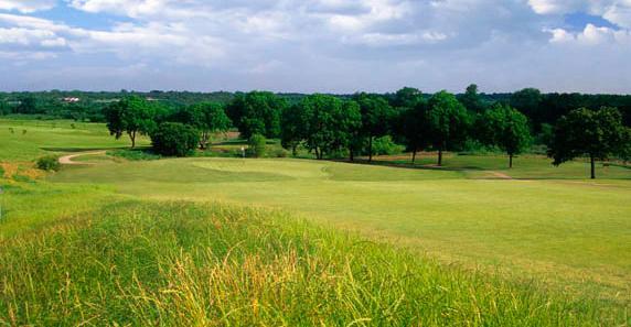Play Lake Arlington Golf Course for under $20!