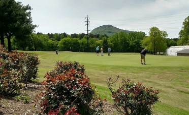 50% OFF at Moccasin Bend Golf Club! Play as a Single, Twosome, or Foursome-Valid thru June!