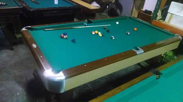 Brunswick Sport King Pool Table For $1200